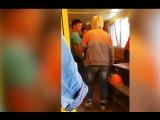 Женщина-прораб унижает строителей, опоздавших на работу
