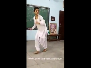 Indian school girl hot dance on song