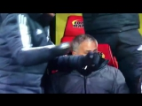 Реакция Моуриньо на гол Янга vk.com/uefa_fans