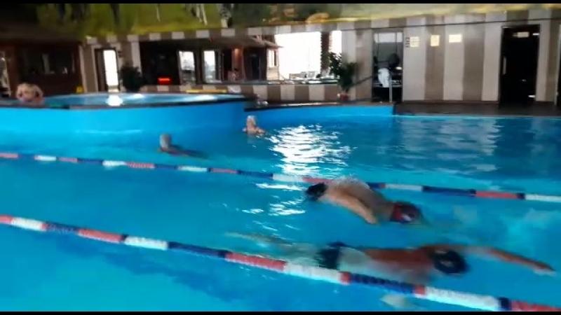 Тренер по плаванию Арсений Черница