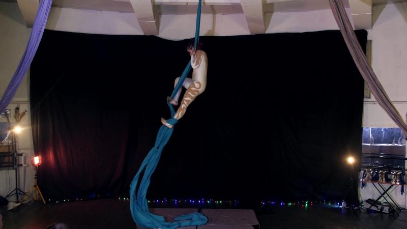 Васильева Ульяна 1 место aerial silk14-17 лет