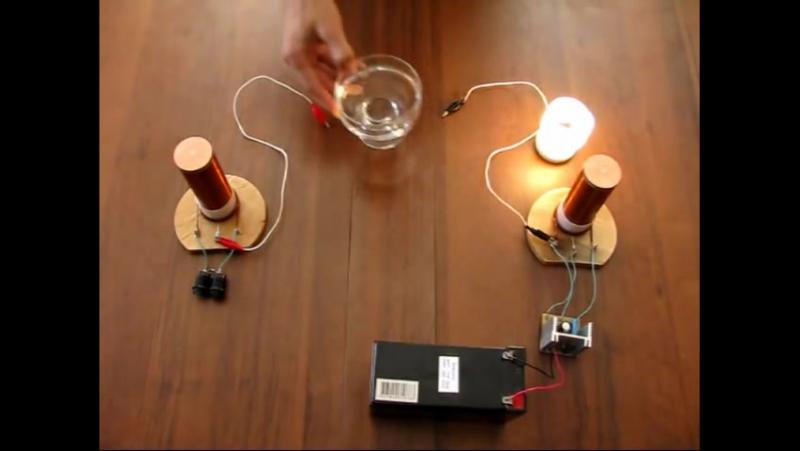 Эксперимент с двумя одинаковыми катушками Тесла