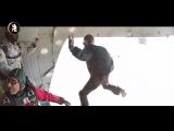 Ливийские телевизиощики прыгают с командой ливийского спецназа.