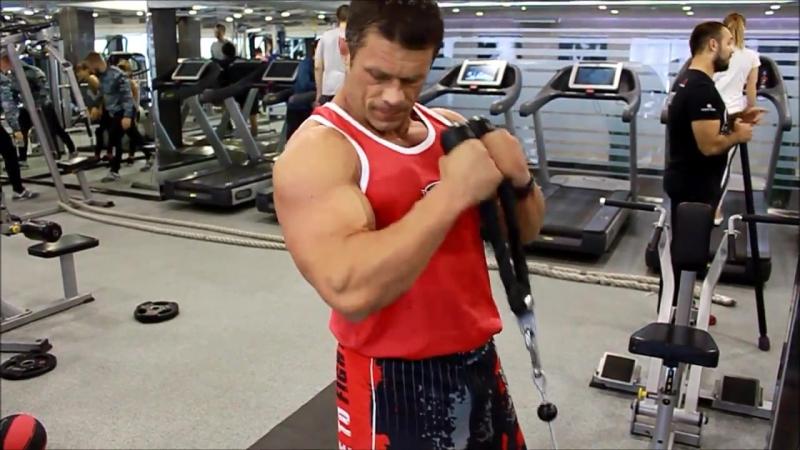 Комплекс упражнений на бицепс от тренера Андрея Джулая