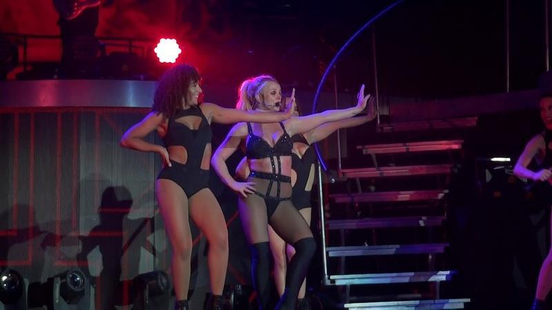Britney Spears - Freakshow (Live in Paris, Piece Of Me Tour - August 28) HD