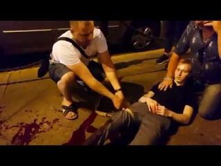 Нападение с ножом на Невском проспекте. Порезал двух молодых мужчин.