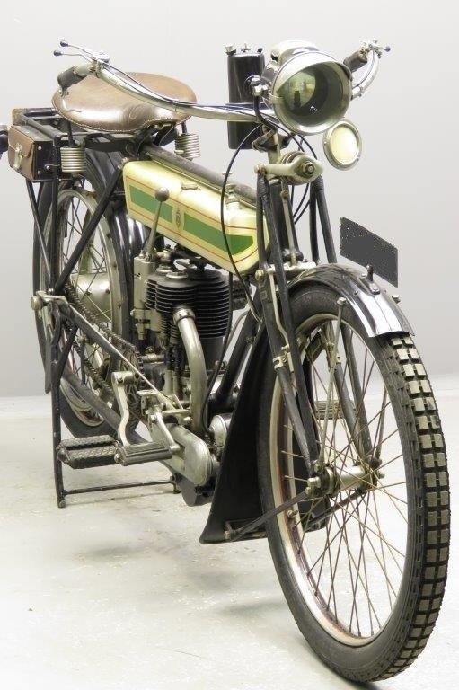 Старинный мотоцикл Triumph Type C Roadster 1913