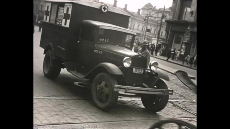 советские машины скорой помощи по дорогам России