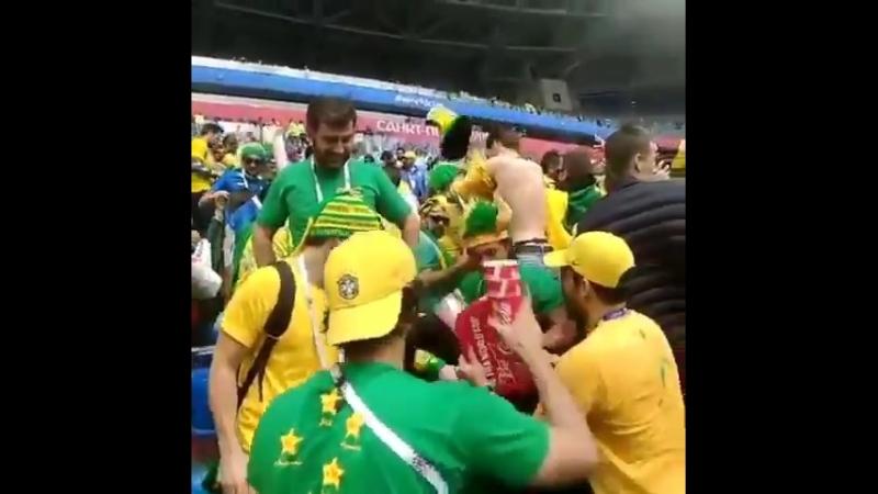 Бразильцы убираются на Ростов Арене
