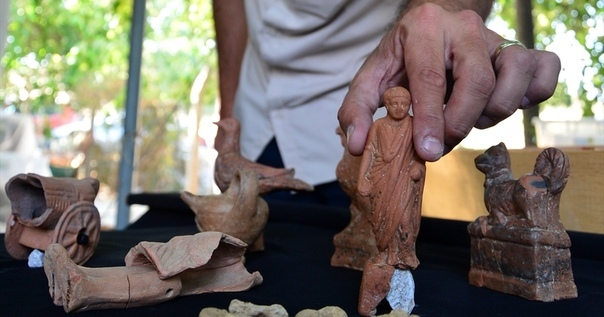 игрушечная машинка возрастом 5 тысяч лет в прошлом году в турции проводились раскопки древнего города согматар. это одно из древнейших поселений в мире, которое существовало задолго до нашей