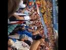 Перуанцы поют Гимн