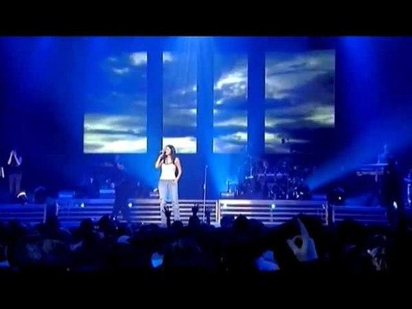 Laura Pausini Tra Te e Il Mare Live in Paris 05