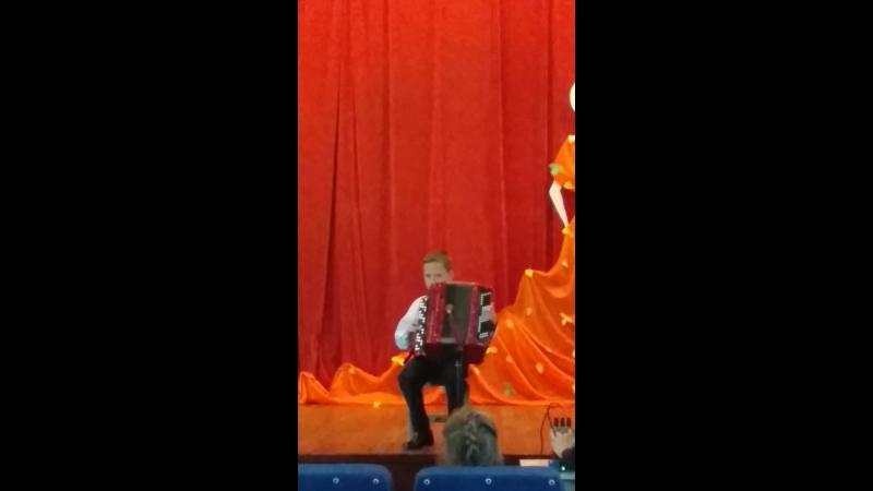 А.Доренский Джаз-вальс исп.Анучин Вова
