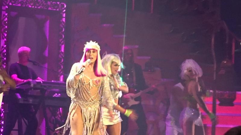 Шоу-концерт Cher Classic Cher в MGM-Park в Лас-Вегасе, май 2018, 13