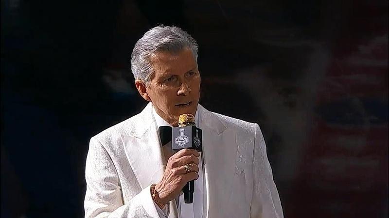 Legendary announcer Michael Buffer introduces Golden Knights Capitals