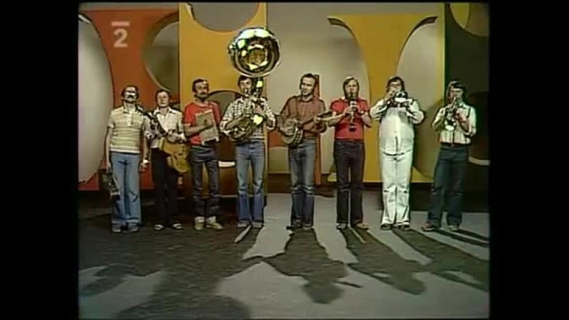 Ivan MlАdek Banjo Band - Koukejte vycouvat - video - YouTube