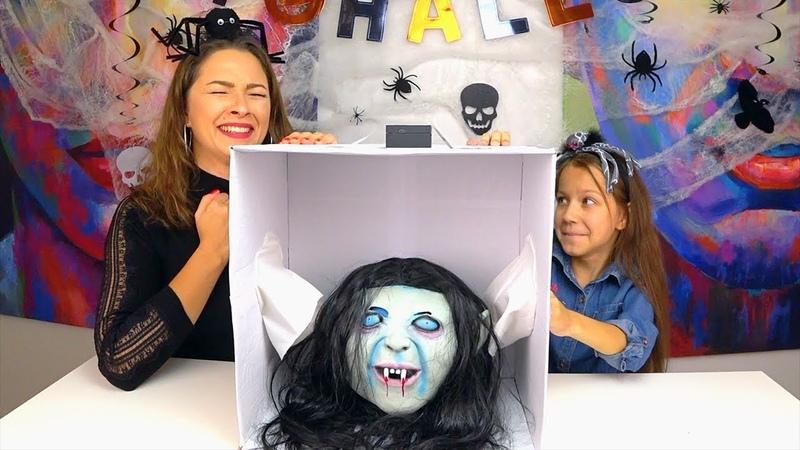 ЧЕЛЛЕНДЖ Что в Коробке на ХЕЛЛОУИН 2018 What's in the Box Halloween Challenge Вики Шоу