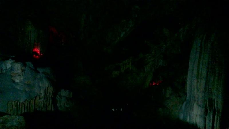в Новоафонской пещере Окаменевший водопад высотой около 30 м Абхазия сентябрь 2018