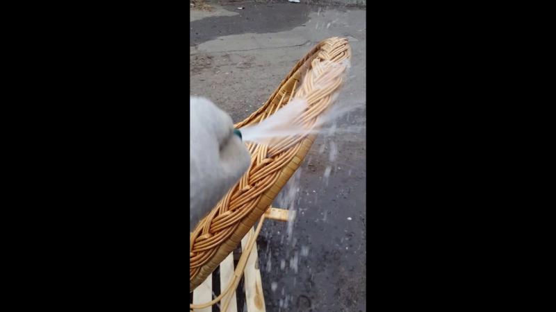 Мойка плетеного кресла