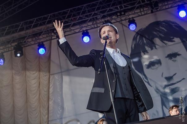 2 июня  2018 г, участие Олега Погудина в фестивале «Петербург live», посвященном 80-летию Владимира Высоцкого, СПт-г GGNqwGKXx6c