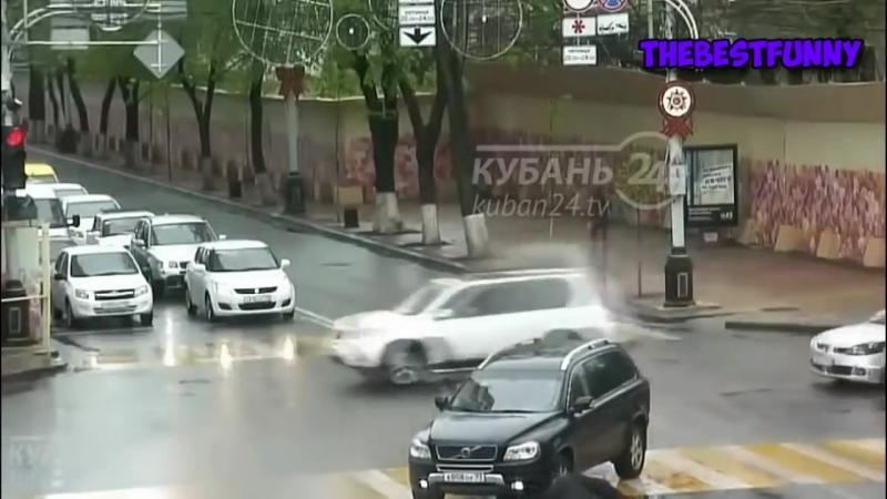 Мгновенная карма! Бабы за рулем, приколы на дороге! 2018 43