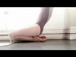 SLs Ноги балерины в пуантах и без