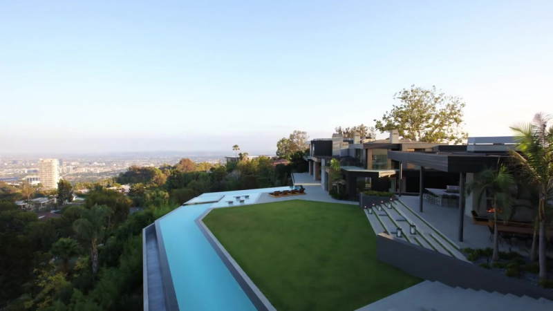 1520 Gilcrest Drive, Hollywood Hills, CA