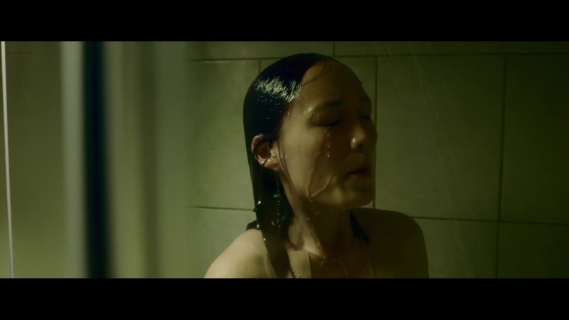Пом Клементьефф (Pom Klementieff) голая в фильме «Hacker's Game» (2015)