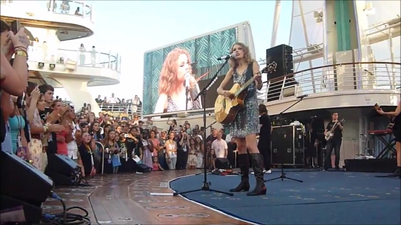 Taylor Swift - You Belong With Me (Live on The Allure of The Seas 2011)