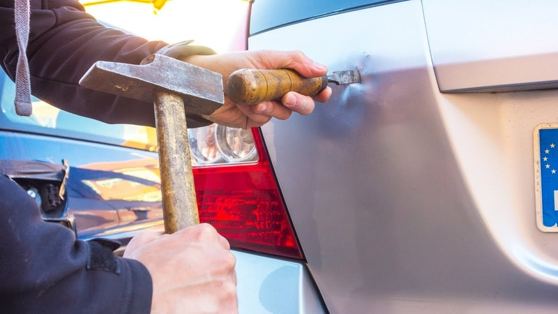 TRUCOS | Comprar un Coche Roto y Arreglarlo con Poco Dinero (Motor Chapa)