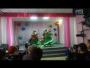 Дочка моя любимая танцует индийский танец с девочками из группы.