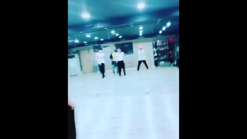 5.04.18 Daehyun's Instagram