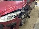 Наши работы по Peugeot 308 : Кузовные работы по левой передней стойки, левому брызговику, порогу, задней двери, капота, ремонт переднего бампера с покраской всей левой стороны.