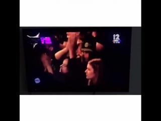Дакота и Крис Мартин на концерте Ника Кейва в Тель-Авиве ()