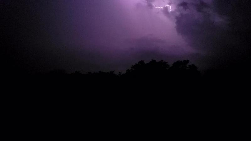 Лутугинское водохранилище. Молния. Ночь с 30 июня на 1 июля. Замедленно