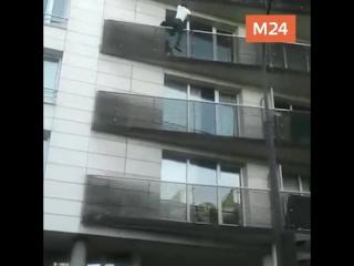 Человек-паук спас ребенка в Париже