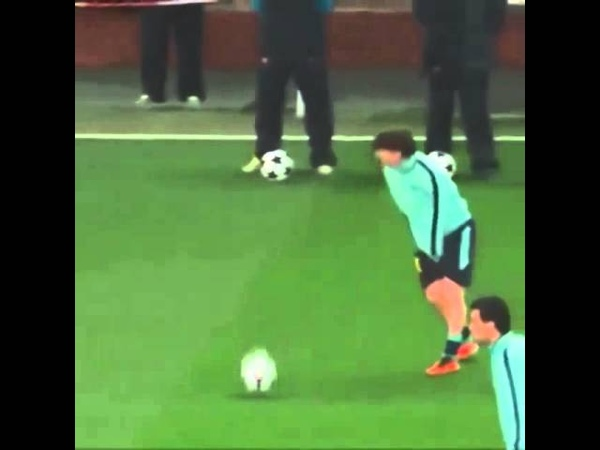 Humor Cristiano and Guti featuring Messi