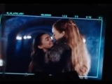 Sophie Turner trying to kiss Maisie Williams