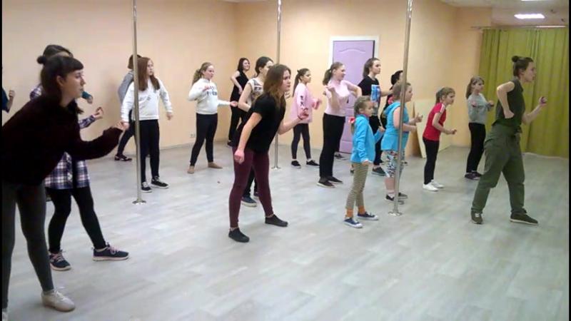 Обучение Хип Хоп танцам в Наро-Фоминске - Разминка.