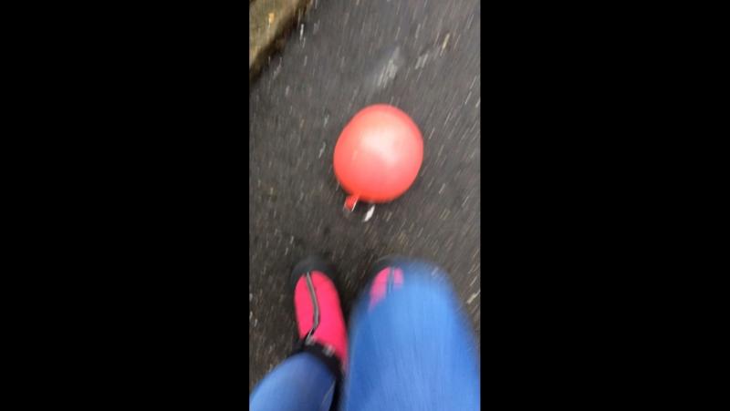 Лопаю шарик