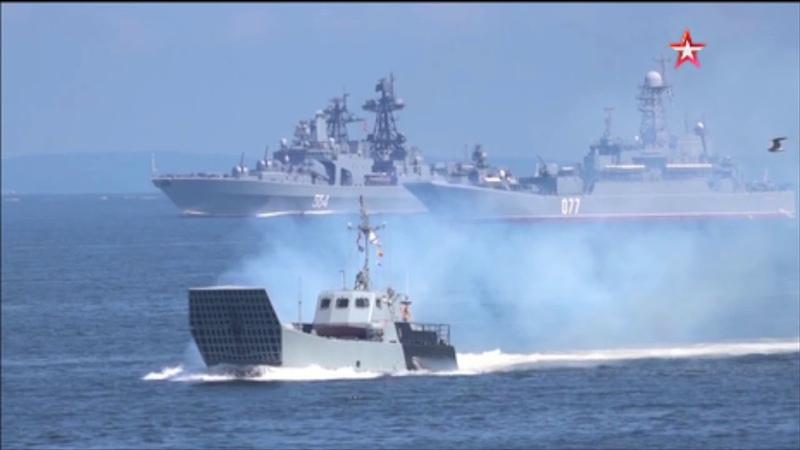 Парад на День ВМФ. Владивосток