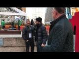 Василий Ломаченко - встреча с болельщиком в США