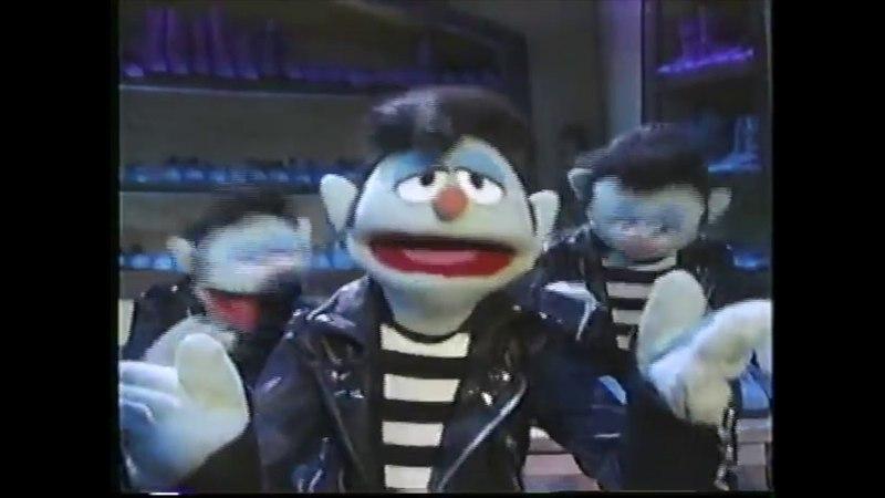 Muppet Songs Elvises - Blue Suede Shoes