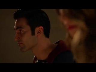 — Я преклоняюсь перед тобой. Встань такая дилемма передо мной... Лоис или мир... думаю я бы не справился. Ты куда сильнее меня.