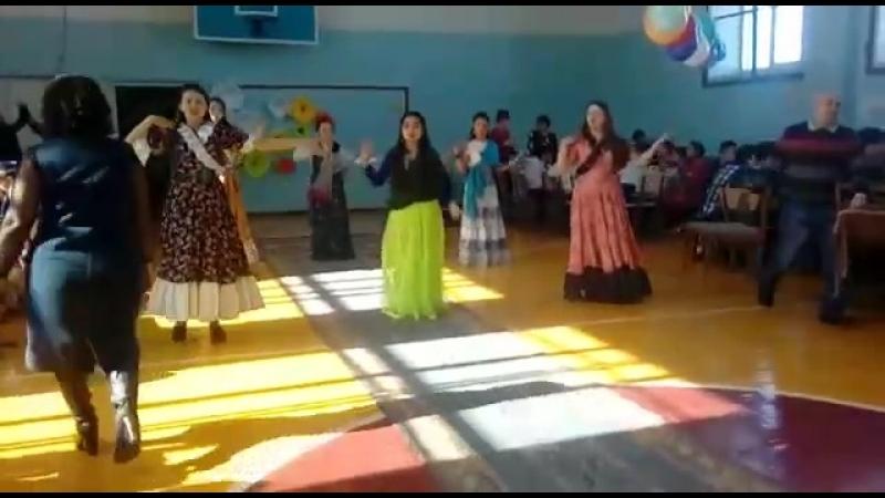Наурыз мерекесі 5-6-8б класс индийский танец ☺❤❤