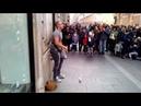 Romanul care face italienii sa danseze! Canta la tarabana in Roma Partea 2
