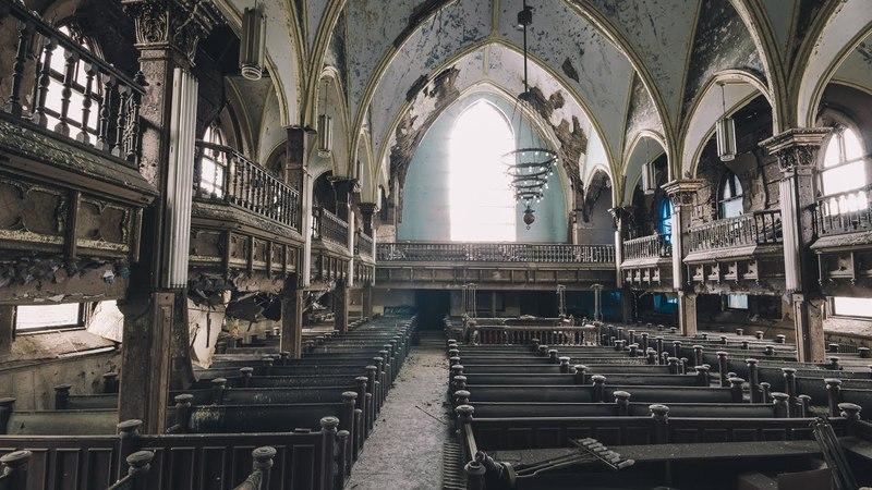 Abandoned Church Saint Pigeon of Urbana Urbex