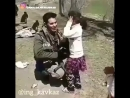 Турецкий солдат в Сирии и дети
