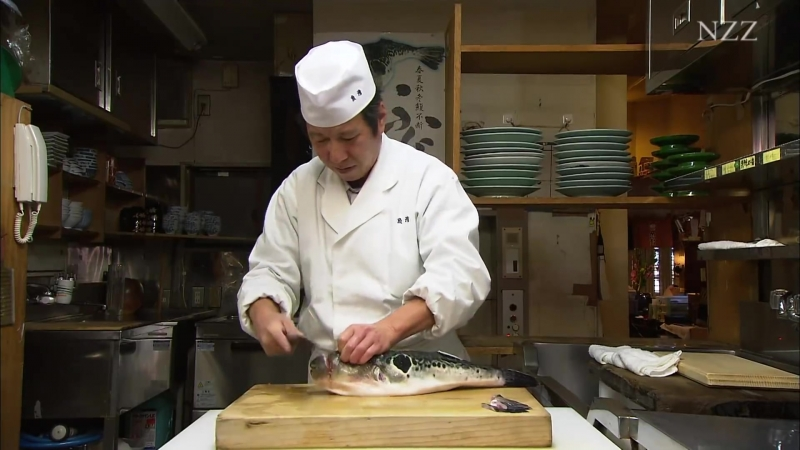 How to prepare the deadly pufferfish by chef Rikizo Okamoto