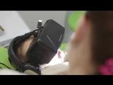 Реакция детей на шлем виртуальной реальности.